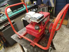 BRIGGS AND STRATTON 5 HP PETROL GENERATOR
