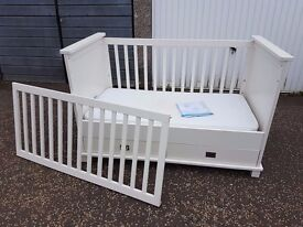Kidsmill Shakery Cotbed With 2 Drawers - Mattress Included