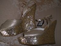 LADIES /GIRLS WEDGES. NEW SIZE 3. SPARKLY GOLD .
