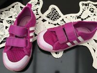 Girls Adidas shoes size 8, great condition