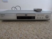 Samsung DVD-M105 DVD/Video-CD/CD Player with Remote Control