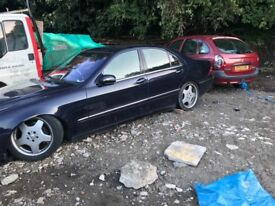 W220 S500 Mercedes Breaking for Parts