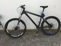 Mountain Bike (dartmoor hornet, fox float 32)