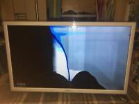"""Samsung 32"""" White LED TV (broken screen)"""