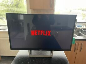 """Sony Bravia 32"""" smart TV as new condition"""
