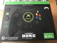 Hyperkin duke Xbox one/ windows 10 controller (wired)