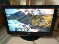 32'' LG TV - Full HD 1080p - 3 HDMI - Freeview