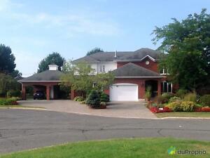 567 500$ - Maison 2 étages à vendre à Drummondville