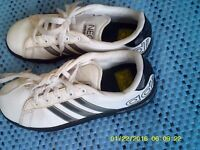 one pear of adidas tranners for sal size 2 or 3