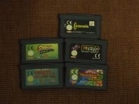 Cables electronics, lamp, RAM gameboy advance games