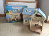 Sylvanian Families Riverside Lodge With Box