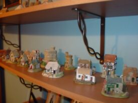 A collection of 42 Lilliput Lane cottages