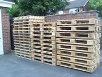 WOODEN PALLET,SOLD SINGLY,FURNITURE BUILDING,COFFEE TABLE,STORAGE,TRANSPORT ETC.DELIVERY POSSIBLE.