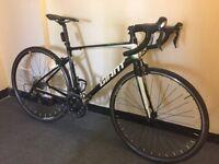 Giant defy 0 entry level road bike shimano 105 carbon forks light weight bargain