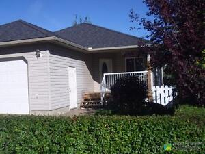 $309,900 - Bungalow for sale in Rimbey