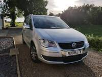 7 SeaterVW Touran 2.0 TDI 2009 reduced for quick sale!