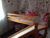 Single slide bed