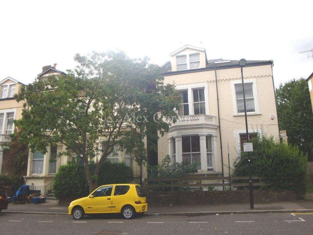 2 bedroom flat in Portland Rise, Manor House