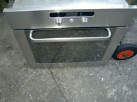 BUILT IN STAINLESS STEEL OVEN.