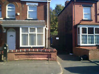 Newly Decorated 3 Bedroom Mid Terraced House to let Unfurnished £600 Available today