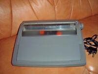Sharp QL-110 Portable Electric Electronic Typewriter/Word Processor.