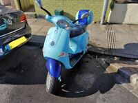 Limited edition 2 tone blue Vespa et4 125cc 2002