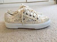 White lace flat shoes Dune size 3 / size 36