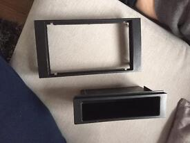 FORD FOCUS stereo surround £5