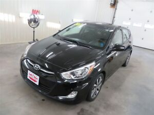 2017 Hyundai Accent GLS SUNROOF, HEATED SEATS!
