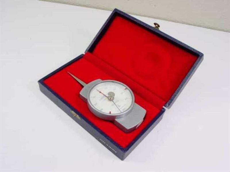 62-6381-00 Scherr-Tumico 100-500g 5N Precision Dial Dynamometer - 2.5 Inch Wide