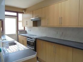 3 bedroom house available on Ruckholt Road in Leyton,E10 5NP