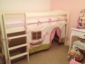 Girls elevated bed