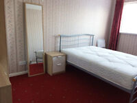 3 x Double Rooms Available in Shared House in WALSALL Ideal for Nurses or Doctors