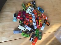 33 Hot Wheels / Matchbox Toy Cars