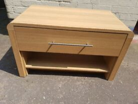 Coffee table/TV stand unit. FREE delivery in Derby