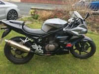 Hyosung GT125 R immaculate great 125cc learner legal