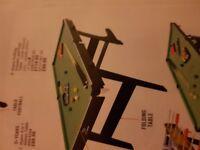 Folding pool/ snooker table