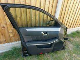 Mercedes w212 left front door with mirror