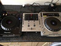 1x Pioneer CDJ 1000 & 1x Pioneer CDJ 800 Mk2 With Numark M101 Mixer