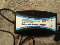 Trickle car and motorcycle battery charger