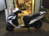 Sinnis shuttle 125cc scooter