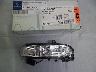 Genuine Mercedes-Benz - E Class 211 RH Mirror Indicator Lamp A2038201421 NEW