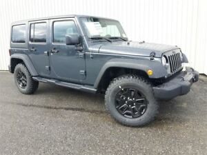 2018 Jeep Wrangler JK Unlimited Willis +Hitch, 2 Toits+
