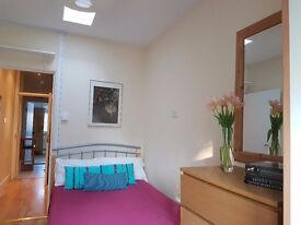 VERY WELL PRESENTED SELF-CONTAINED STUDIO FLAT