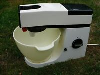 Kenwood Chef vintage A901 for spares excellent body motor blown