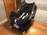 Maxi-Cosi Cabriofix Car Seat & Isofix Base (Plus Newborn Insert)