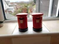 Salt &pepper pots