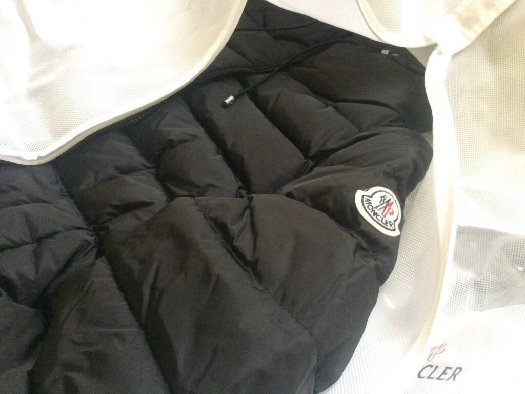 Brand New Moncler jacket womens ladies authentic designer fashion coat not gucci prada armani