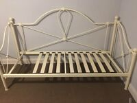 White daybed style single bed frame