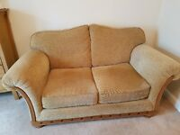 SETTEE LARGE 2 SEATER GOLD COLOUR EX-HARVEYS CHILD AND PET FREE CLEANED REGULARLY GOOD CONDITION